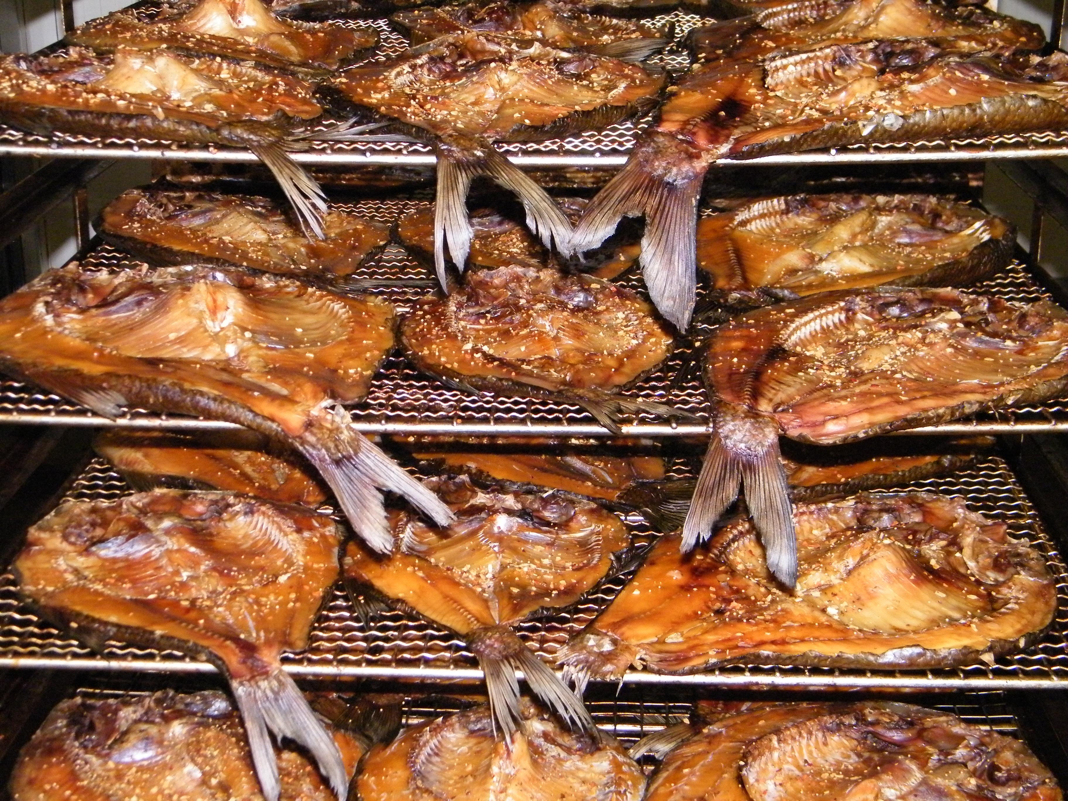 Рыба горячего копчения в духовке : рецепты в домашних условиях 31